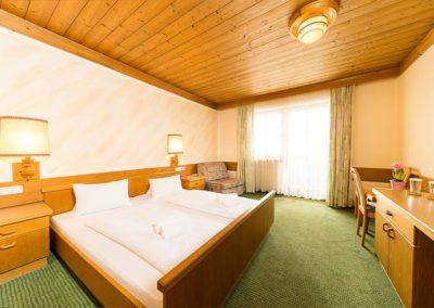 hotel-almerwirt-maria-alm-zimmer-01
