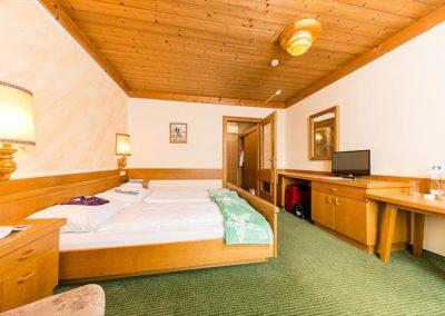 hotel-almerwirt-maria-alm-zimmer-02